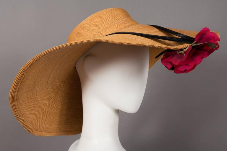 Brown Keneth Hopkins wide brim straw sunhat, circa 1940s For Sale