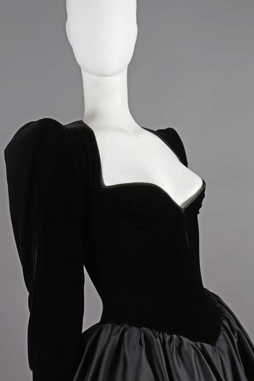 Yves Saint Laurent Haute Couture black velvet cocktail dress, circa 1981 In Excellent Condition For Sale In London, GB