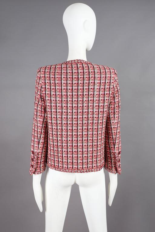 Women's Chanel classic tweed jacket, circa 2002 For Sale