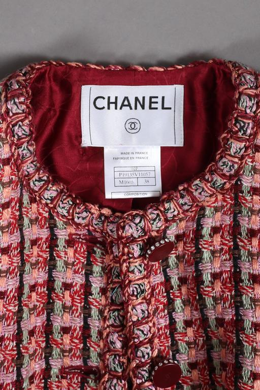 Chanel classic tweed jacket, circa 2002 For Sale 2