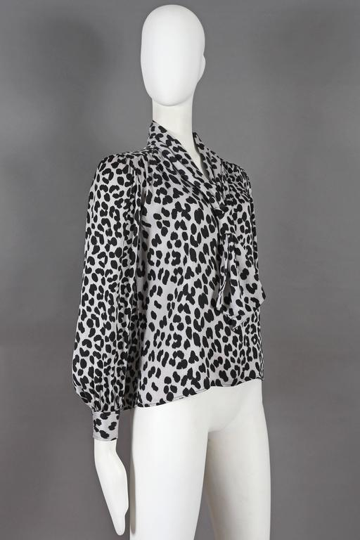 Yves Saint Laurent leopard print pussy bow silk blouse, circa 1970s In Excellent Condition For Sale In London, GB