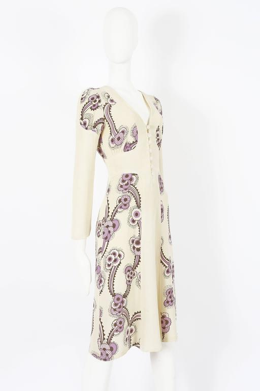 Women's Ossie Clark ivory moss crepe 'Floating Daisies' dress, circa 1970s For Sale