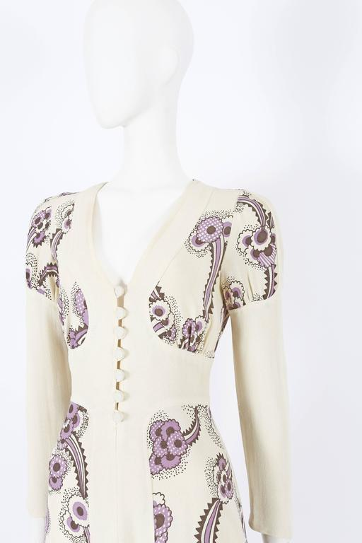 Ossie Clark ivory moss crepe 'Floating Daisies' dress, circa 1970s In Excellent Condition For Sale In London, GB