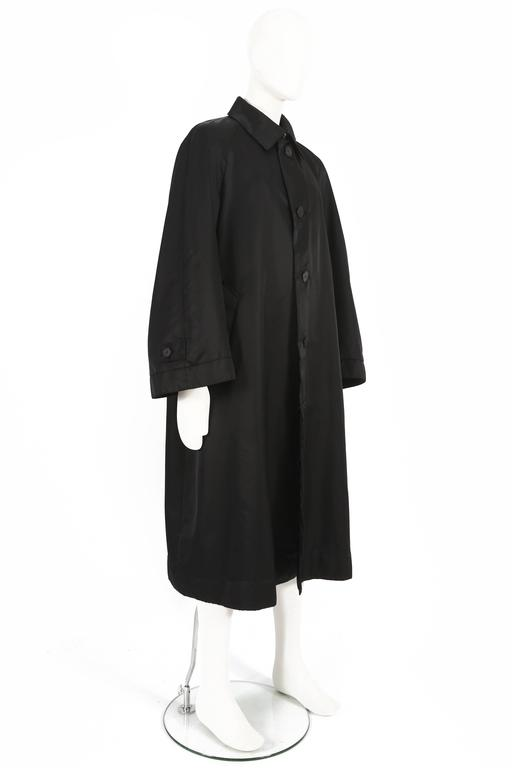 Issey Miyake Mens oversized windcoat, circa 1990s In Excellent Condition For Sale In London, GB