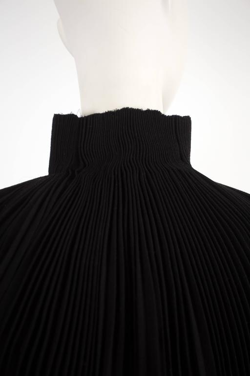 Alexander McQueen accordion pleated evening jacket, circa 2004 For Sale 2