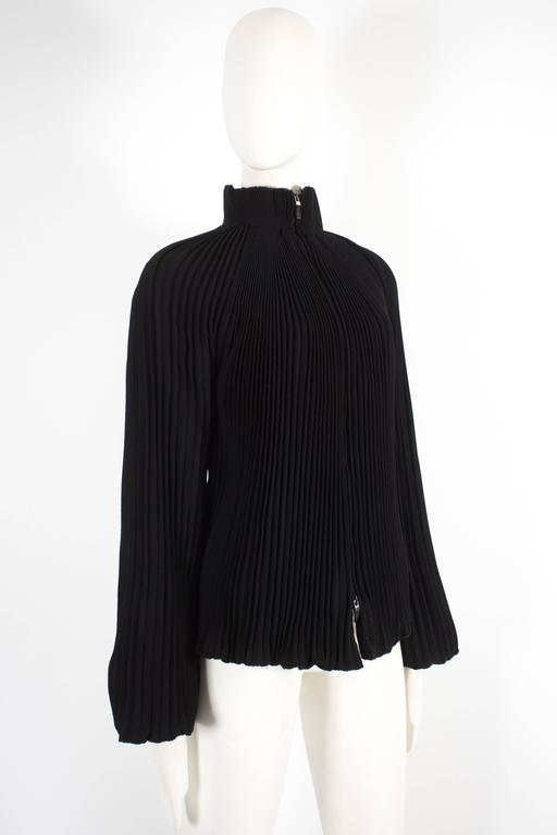 Alexander McQueen accordion pleated evening jacket, circa 2004 In Excellent Condition For Sale In London, GB