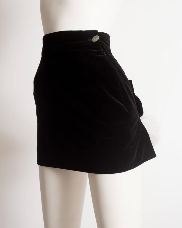 Vivienne Westwood black velvet mini skirt with crinoline, circa 1991 For Sale 1