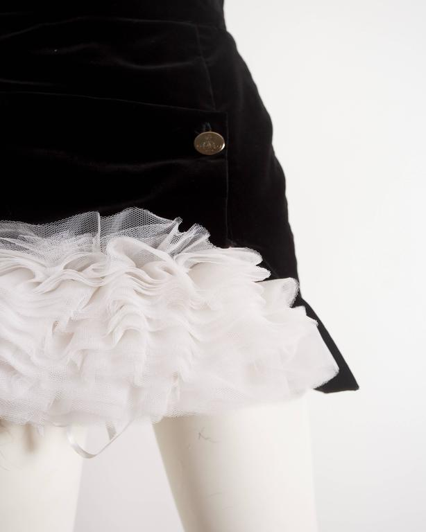 Vivienne Westwood black velvet mini skirt with crinoline, circa 1991 In Excellent Condition For Sale In London, GB