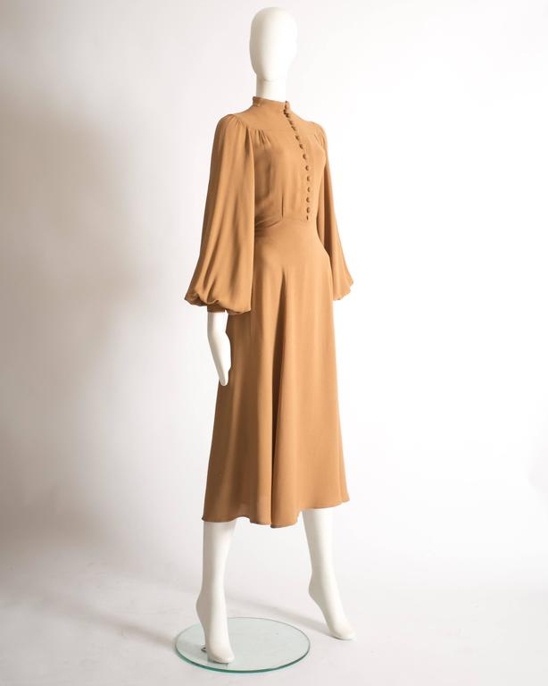 Ossie Clark caramel moss crepe mandarin collared dress, Circa 1970 In Excellent Condition For Sale In London, GB