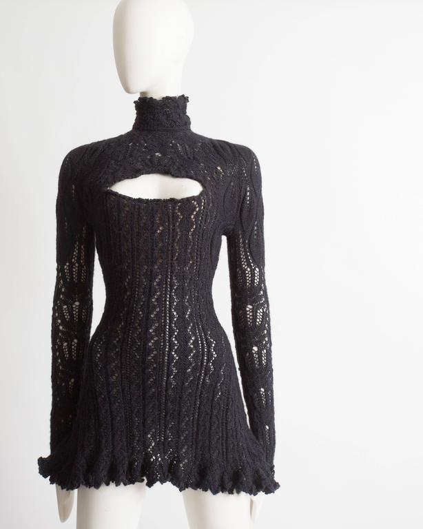 Vivienne Westwood corseted crochet knit mini dress, AW 1993 In Excellent Condition For Sale In London, GB