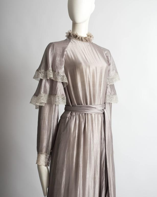 Tan Giudicelli raw silk evening dress with lace trim, circa 1970s In Excellent Condition For Sale In London, GB