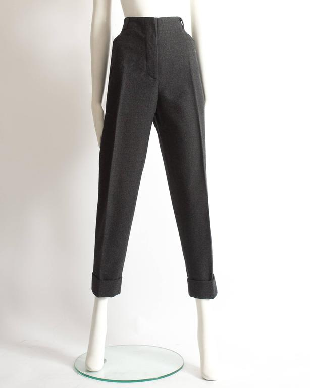 Alaia plus sized charcoal gray wool pant suit with velvet collar, AW 1987 For Sale 1