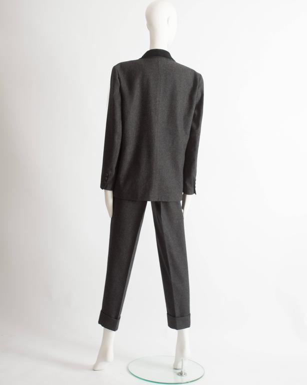 Women's Alaia plus sized charcoal gray wool pant suit with velvet collar, AW 1987 For Sale