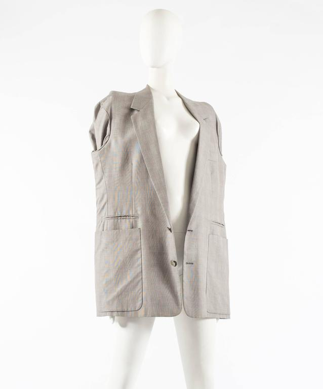 Maison Martin Margiela Autumn-Winter 1997 oversized blazer with inverted sleeves In Excellent Condition For Sale In London, GB