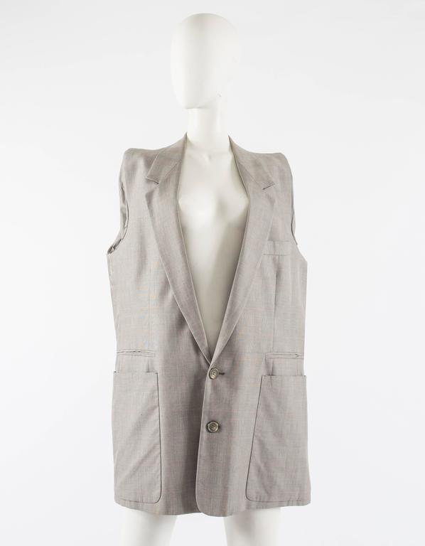 Maison Martin Margiela Autumn-Winter 1997 oversized blazer with inverted sleeves For Sale 2