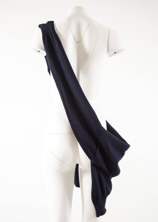 Maison Martin Margiela Spring-Summer 1995 navy blue knitted sweater sack bag  For Sale 1