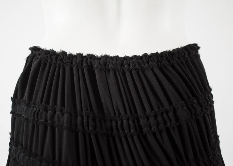 Tom Ford for Yves Saint Laurent Autumn-Winter 2001 black pleated maxi skirt For Sale 2
