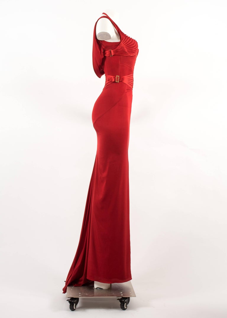 Tom Ford for Gucci Autumn-Winter 2003 red silk corseted evening gown  6