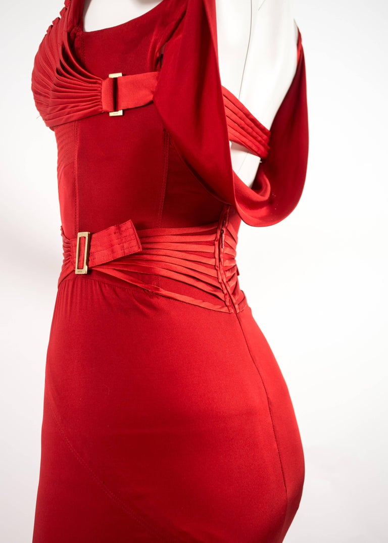Tom Ford for Gucci Autumn-Winter 2003 red silk corseted evening gown  9