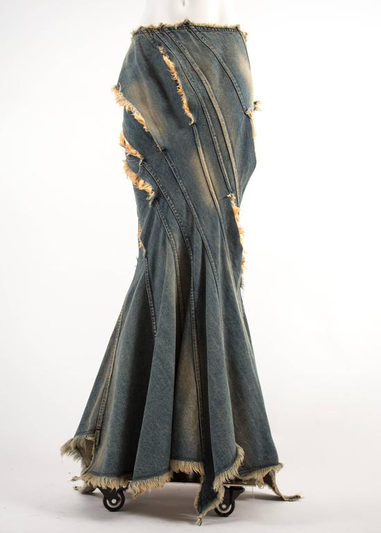 Junya Watanabe Spring-Summer 2002 bias cut denim flared skirt  In Good Condition For Sale In London, GB