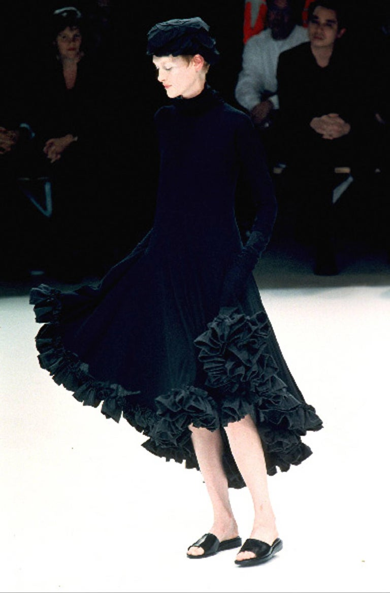 Black Yohji Yamamoto Spring-Summer 1999 black cotton evening dress with ruffles  For Sale