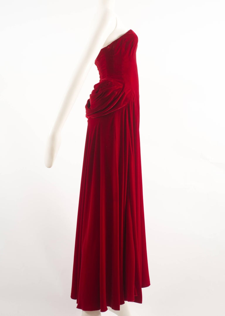 Women's Jean Doucet Autumn-Winter 1996 couture red velvet palazzo strapless jumpsuit For Sale