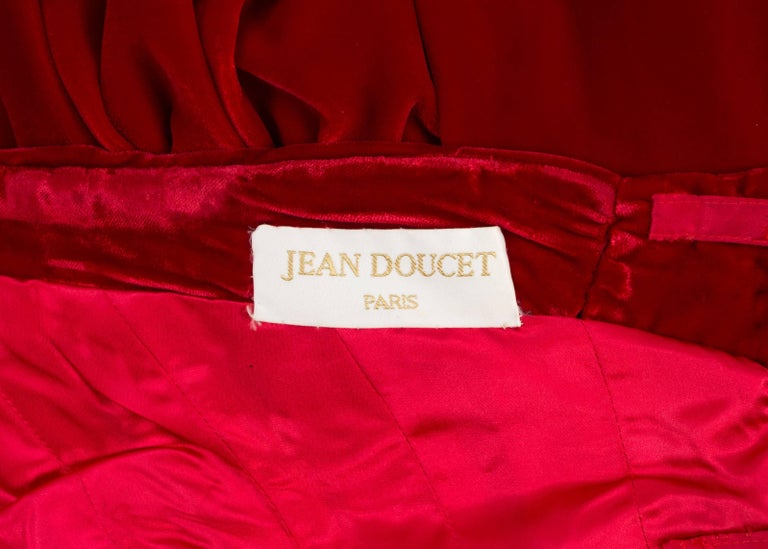 Jean Doucet Autumn-Winter 1996 couture red velvet palazzo strapless jumpsuit For Sale 3
