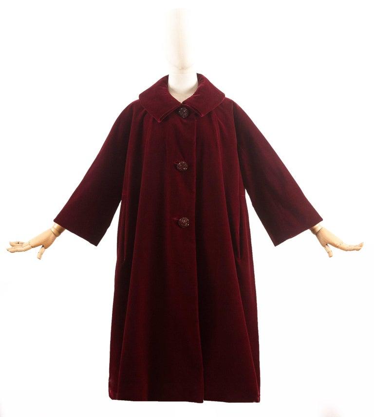 Christian Dior Haute Couture Autumn-Winter 1956 royal red silk velvet opera coat 3