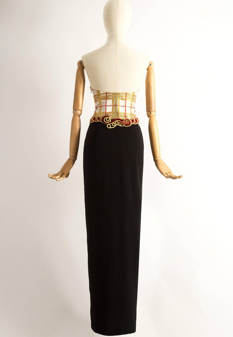 Christian Dior Autumn-Winter 1995 silk strapless evening dress In Excellent Condition For Sale In London, GB