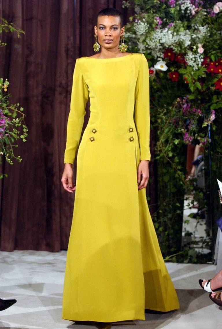 Yellow Gerald Watelet Autumn-Winter 2003 Couture evening dress with thigh high slits For Sale