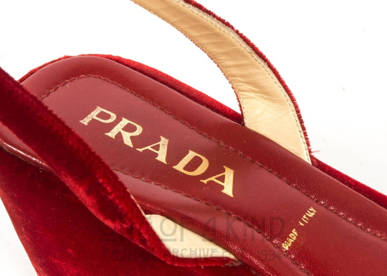 Prada red velvet platform sandals Spring-Summer 1997 For Sale 2