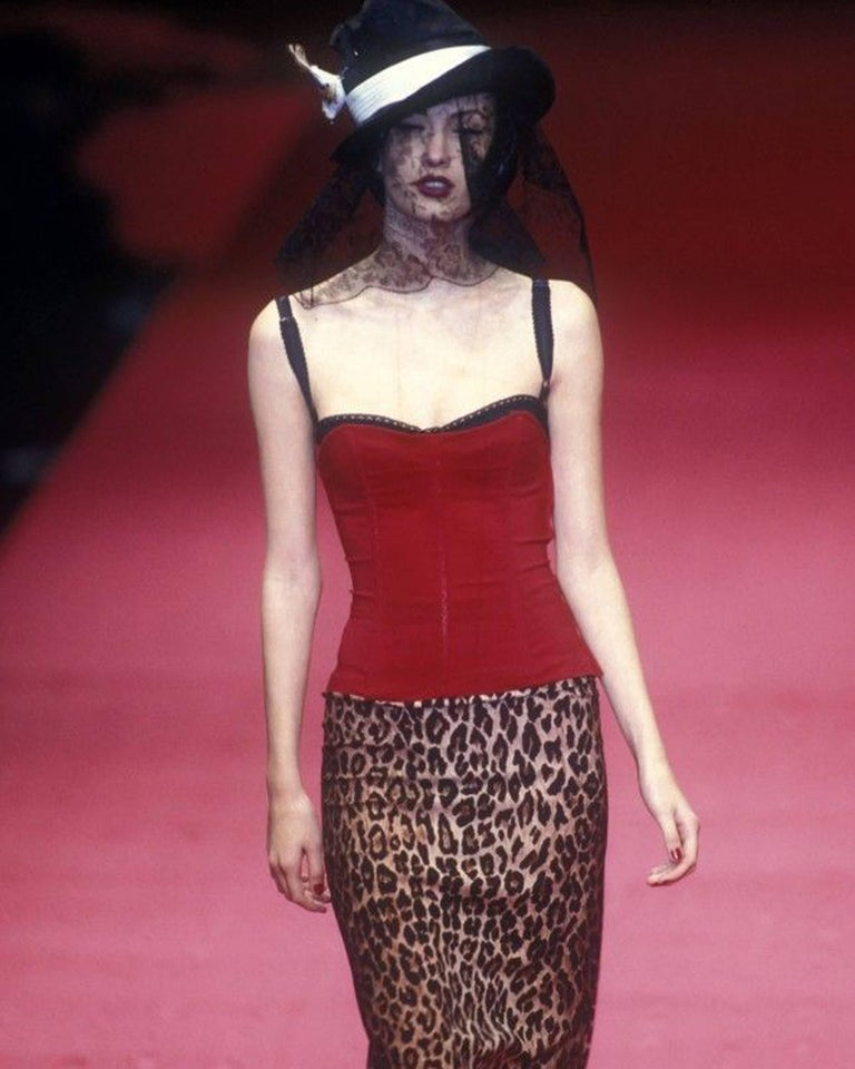Dolce & Gabbana red corset and leopard print skirt with train ensemble, A/W 1997 In Good Condition For Sale In London, GB