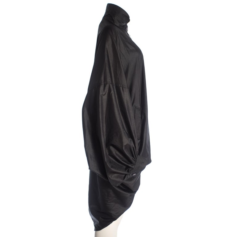 Issey Miyake black nylon oversized parachute jacket, A/W 1987 In Excellent Condition For Sale In London, GB