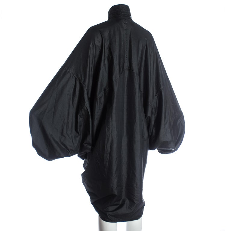 Women's or Men's Issey Miyake black nylon oversized parachute jacket, A/W 1987 For Sale
