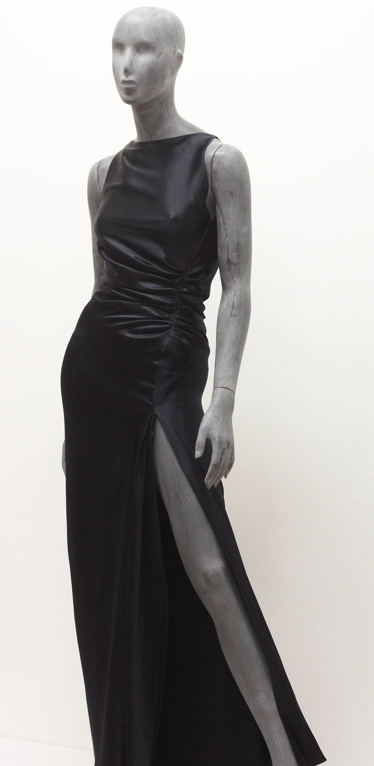 1990s Tom Ford for Gucci Black Silk High Slit Evening Dress In Excellent Condition For Sale In London, GB
