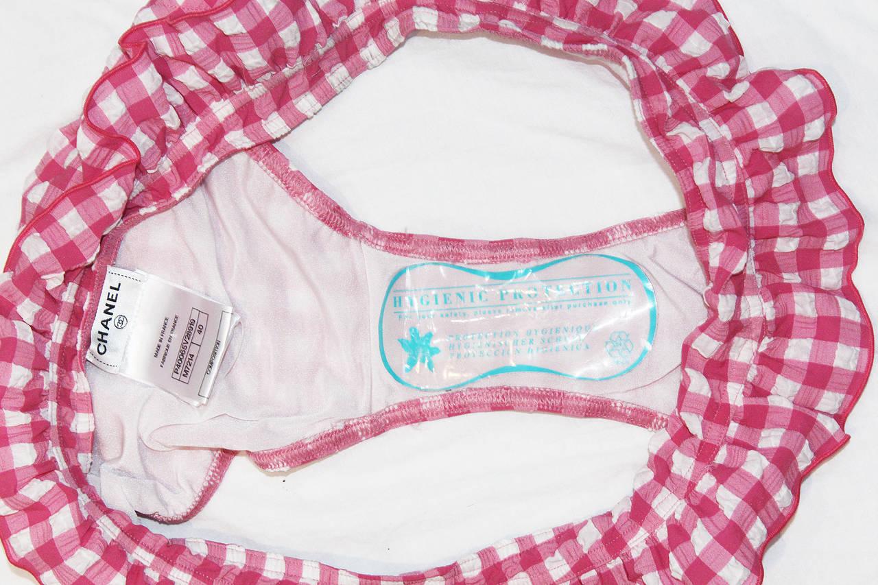 Rare Unworn Chanel gingham baby pink bikini (Saint-Tropez resort 2011) 8