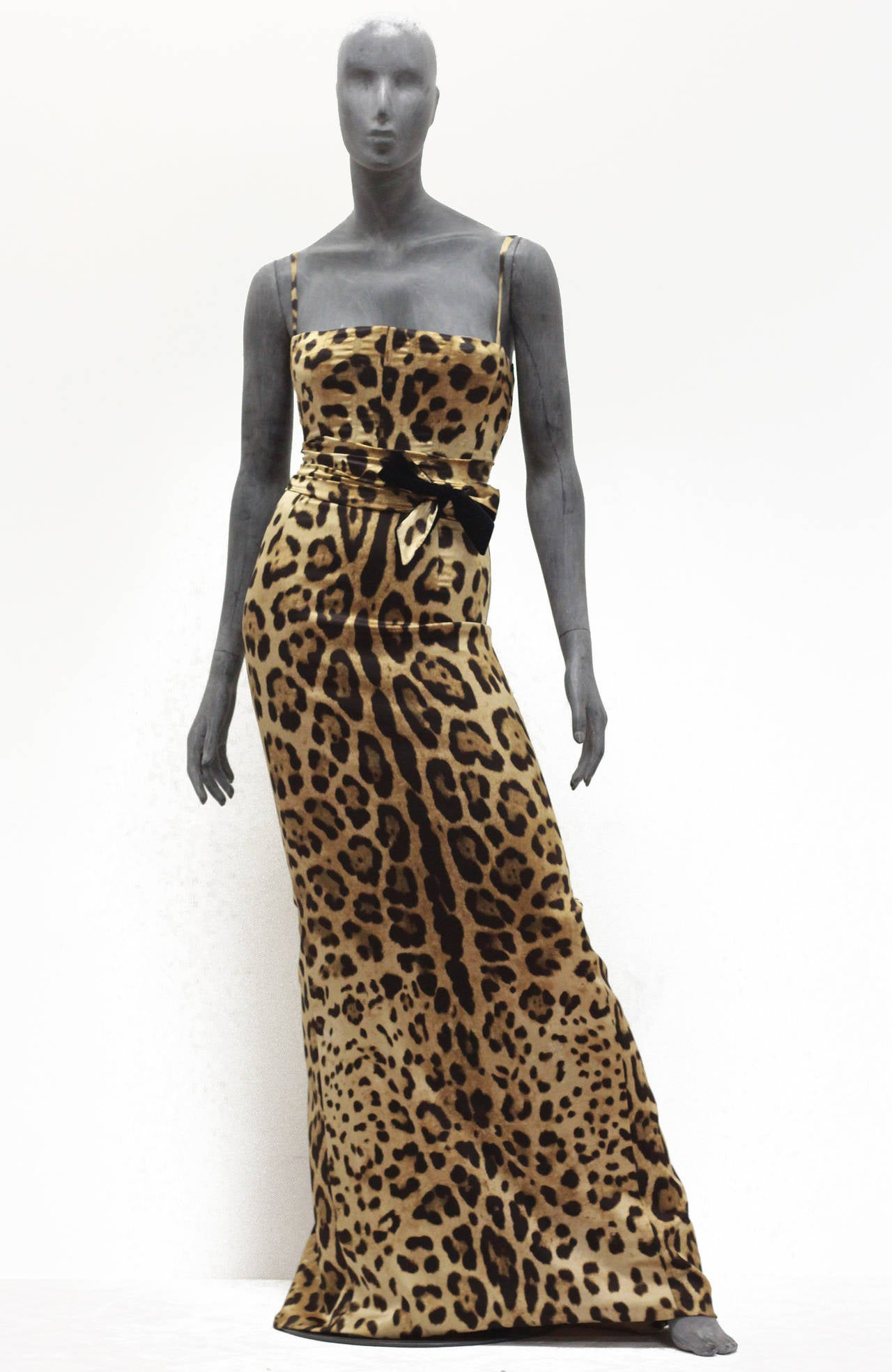 A Beautiful Ed Dolce Gabbana Evening Dress In Silk Leopard Print Through Out The