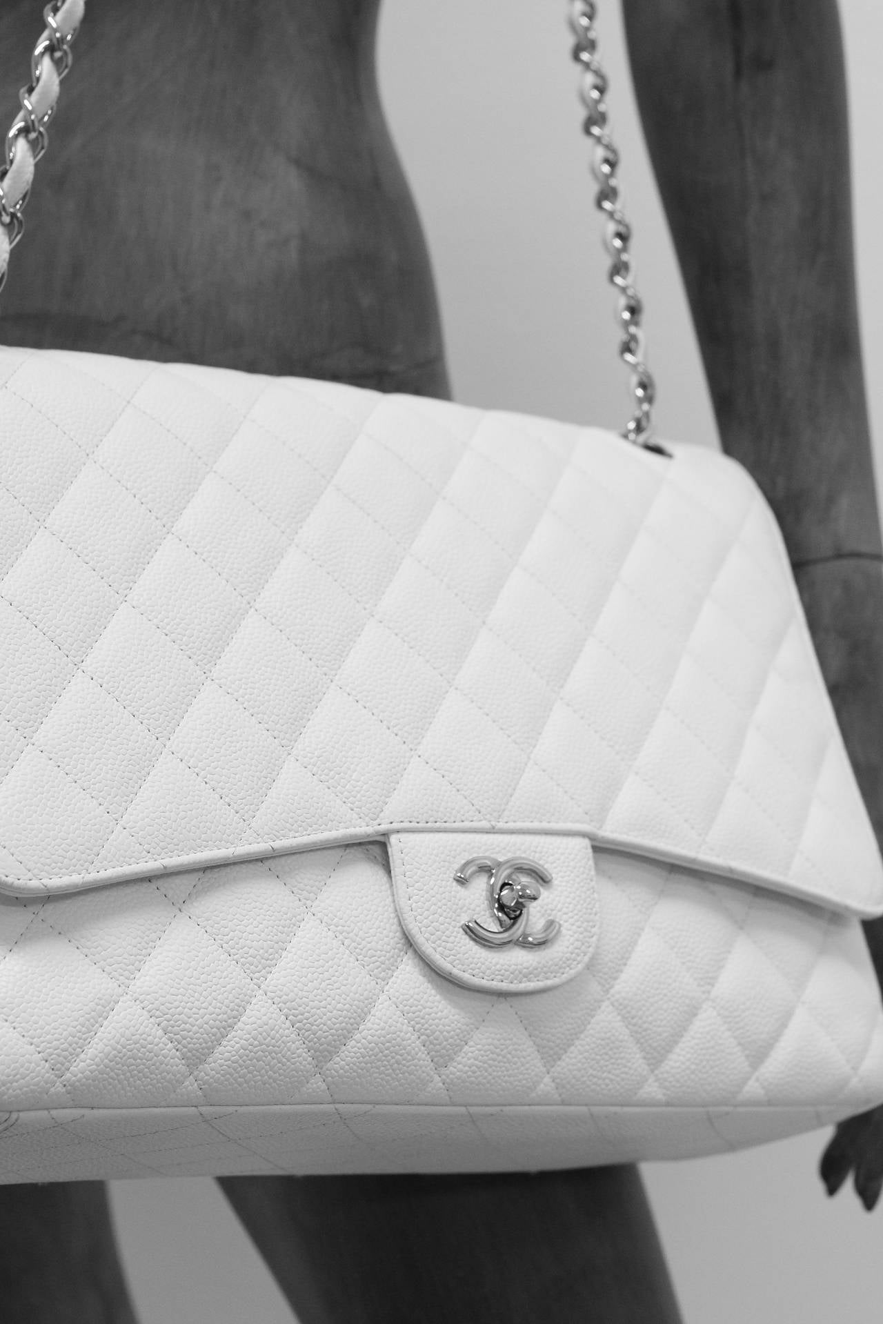 Chanel White Jumbo Caviar Classic Quilted Flap bag CIRCA 2010 3