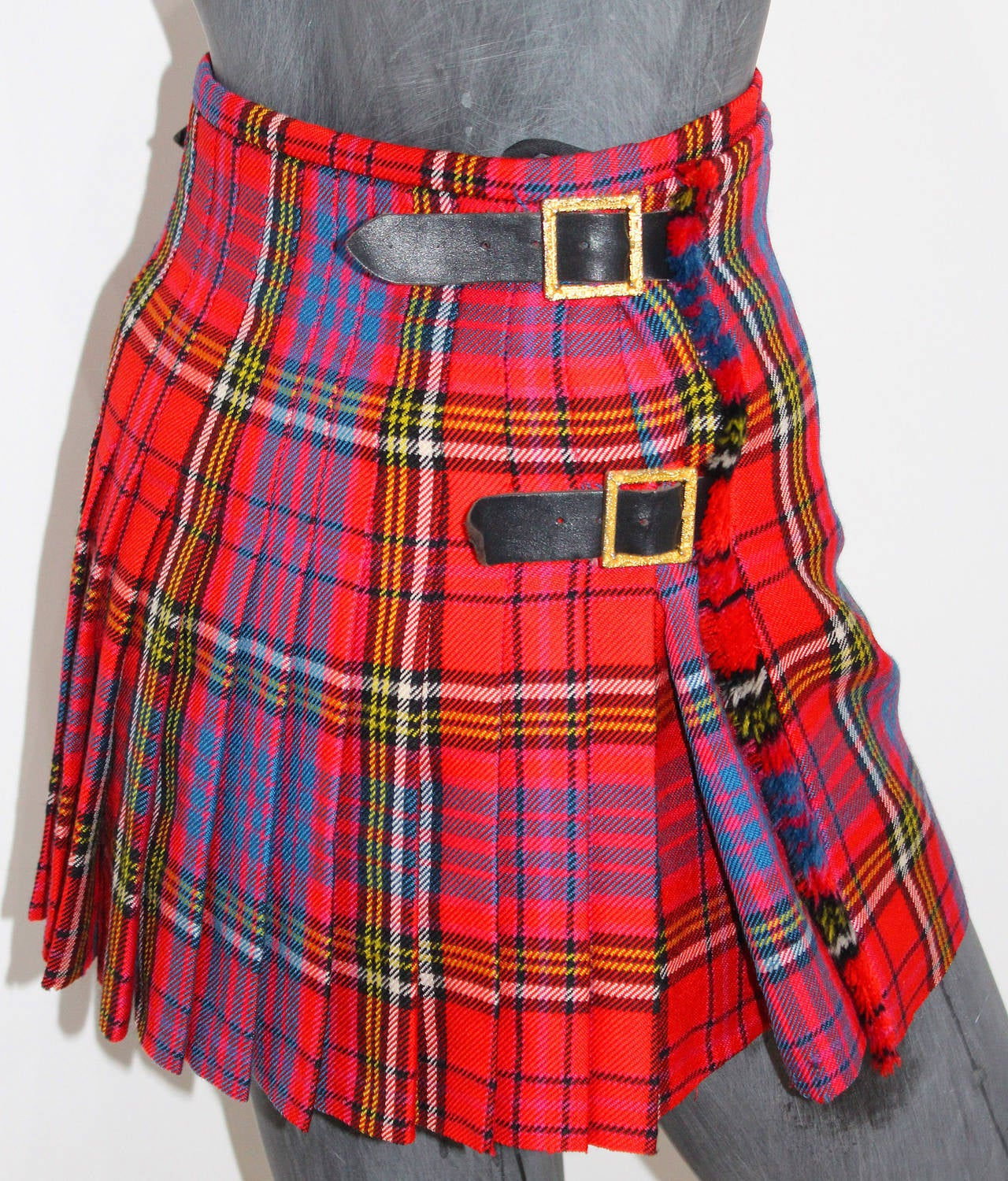 The iconic punk Vivienne Westwood pleated kilt skirt c. 1994 6