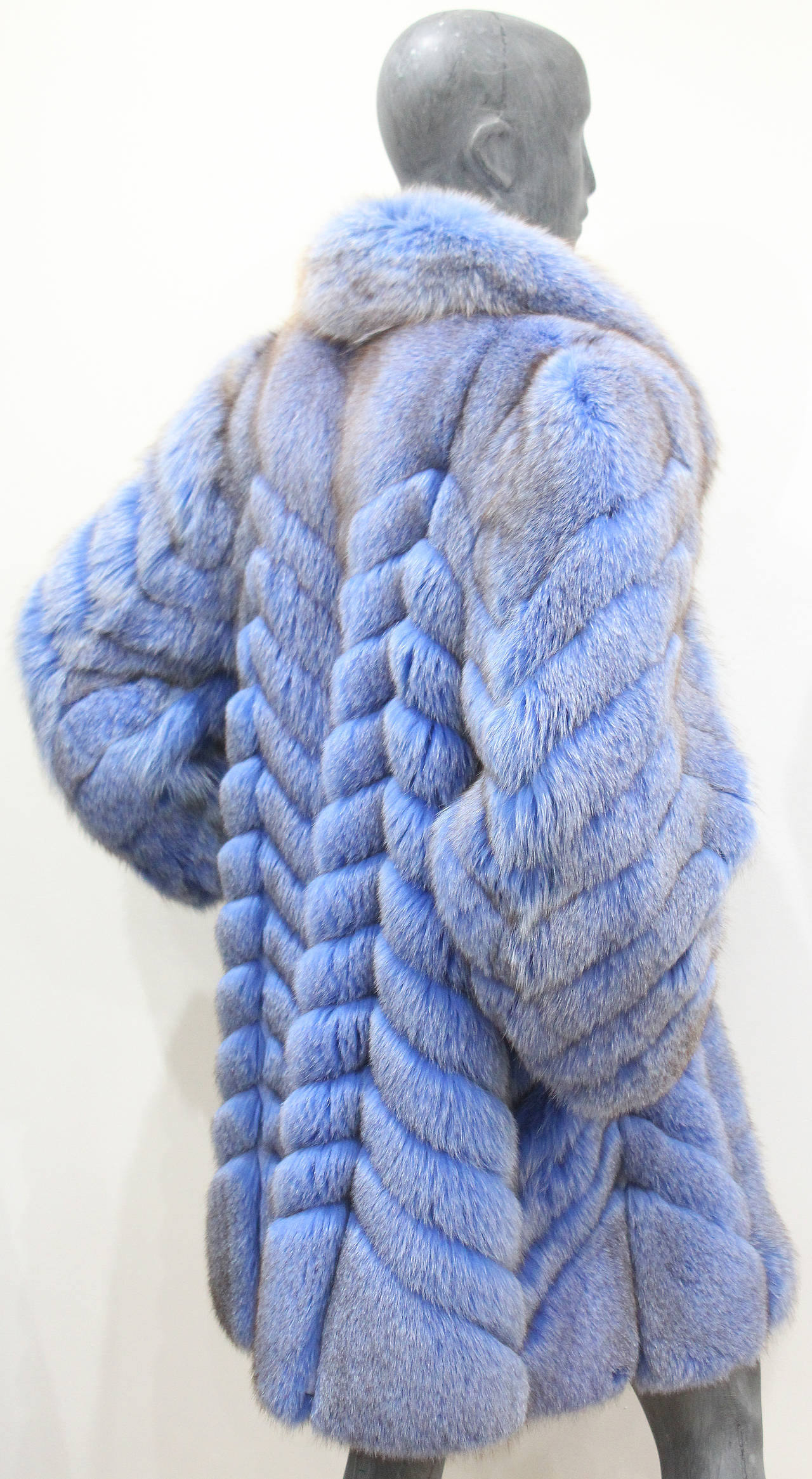 Exceptional 1980s Swiss Oversized Blue Fox Fur Coat 4