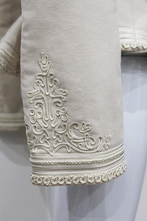 Exceptional Alexander McQueen embroidered tailored runway jacket, Fall 2005 5