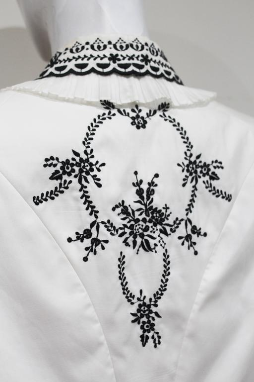 Alexander McQueen embroidered tailored 'Sarabande' jacket, c. 2007 For Sale 2