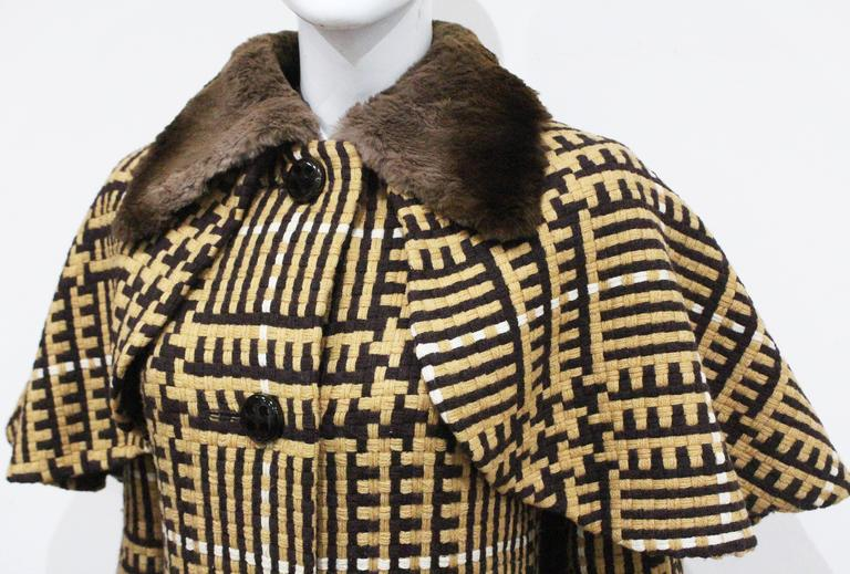 Henri Jean Tweed Coat With Cape And Fur Collar, c. 1970s  In Excellent Condition For Sale In London, GB