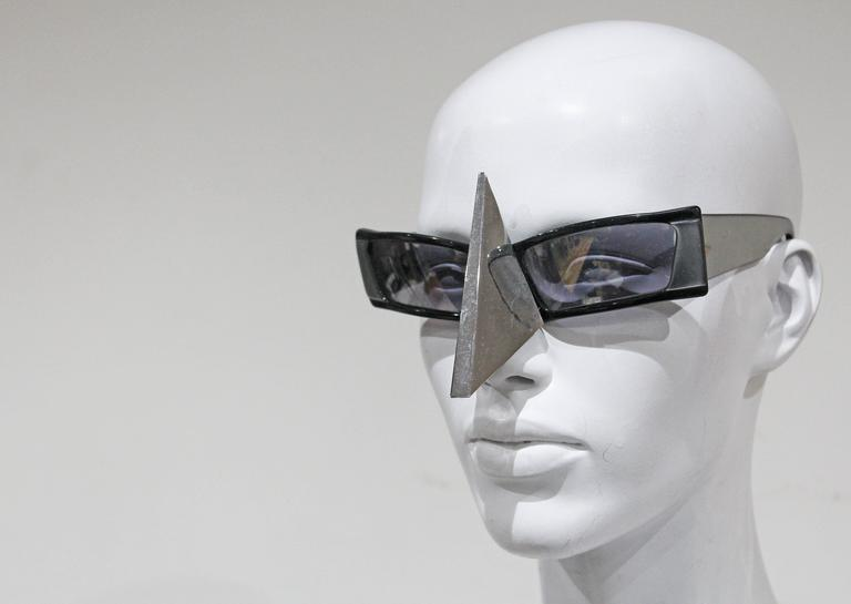 Alain Mikli nose shield sunglasses, c. 1988  In Excellent Condition For Sale In London, GB