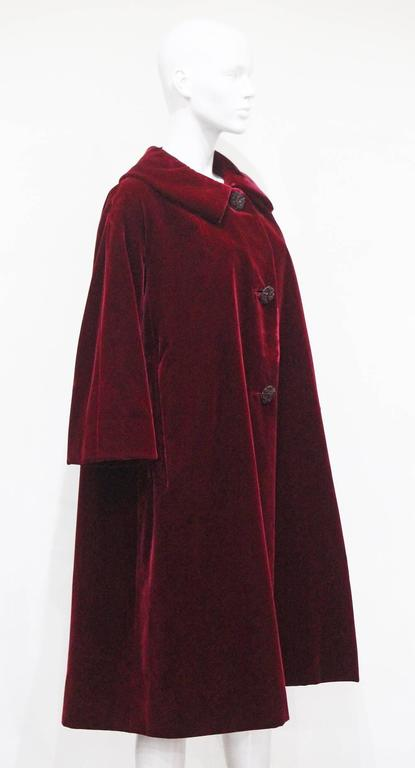 Christian Dior Haute Couture silk velvet opera coat, Autumn/Winter 1956 For Sale 1