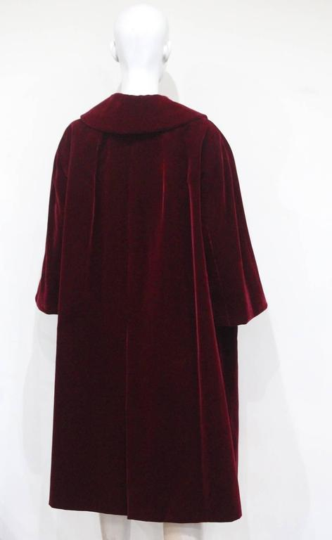 Christian Dior Haute Couture silk velvet opera coat, Autumn/Winter 1956 For Sale 3