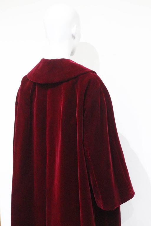 Christian Dior Haute Couture silk velvet opera coat, Autumn/Winter 1956 For Sale 4
