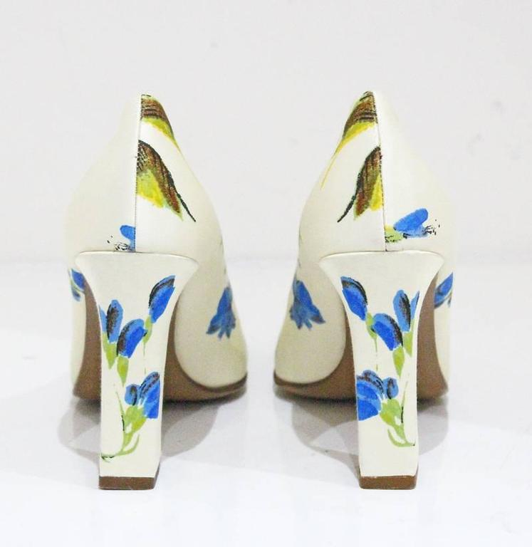 Women's or Men's Prada silk floral pumps sz 38.5, c.1990s  For Sale