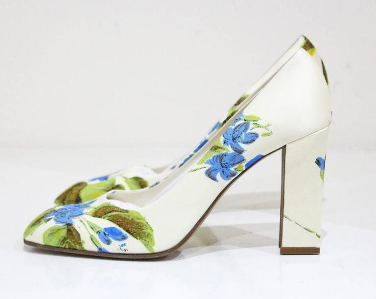 Prada silk floral pumps sz 38.5, c.1990s  For Sale 1