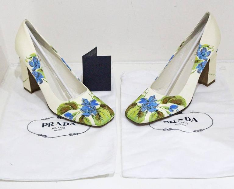 Prada silk floral pumps sz 38.5, c.1990s  For Sale 2